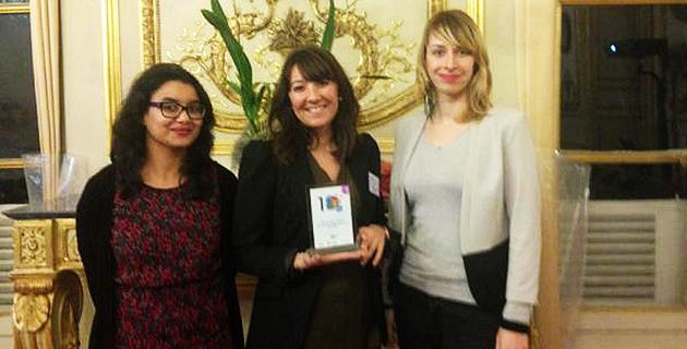 """De gauche à droite : Marie Ange Filippi, Sylvie Pellegrini et Katia Jannin de la direction de la communication de la CAPA ont reçu les prix """"Meilleurs Vœux des Territoires"""""""