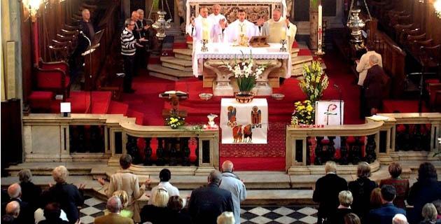 Les fidèles Ajacciens se sont déplacés en nombre dimanche pour assister à la messe en la Cathédrale. (Photo : Yannis-Christophe Garcia)