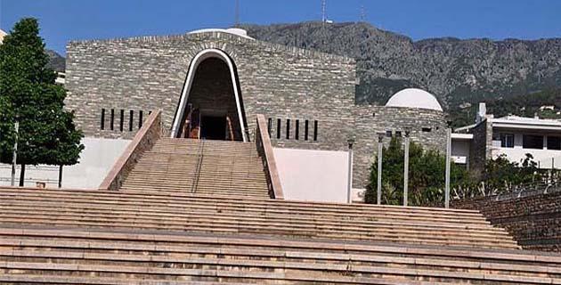 L'église Notre-Dame des Victoires dans le quartier de Lupino : une des nombreuses réalisations de Louis de Casabianca