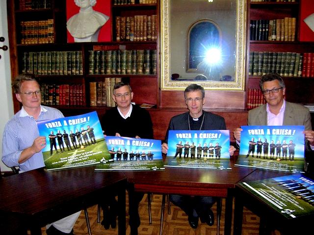 De la gauche vers la droite : Philippe de Casabianca, l'Abbé Jean-Yves Coeroli, Mgr Olivier de Germay et Patrick Bouis. (Photo : Yannis-Christophe Garcia)