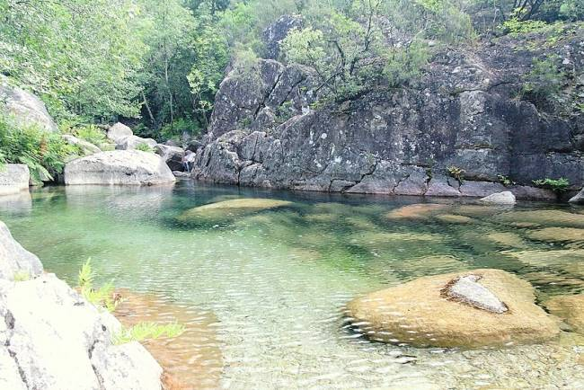 Plusieurs cas de bilharziose après baignade dans la rivière Cavu