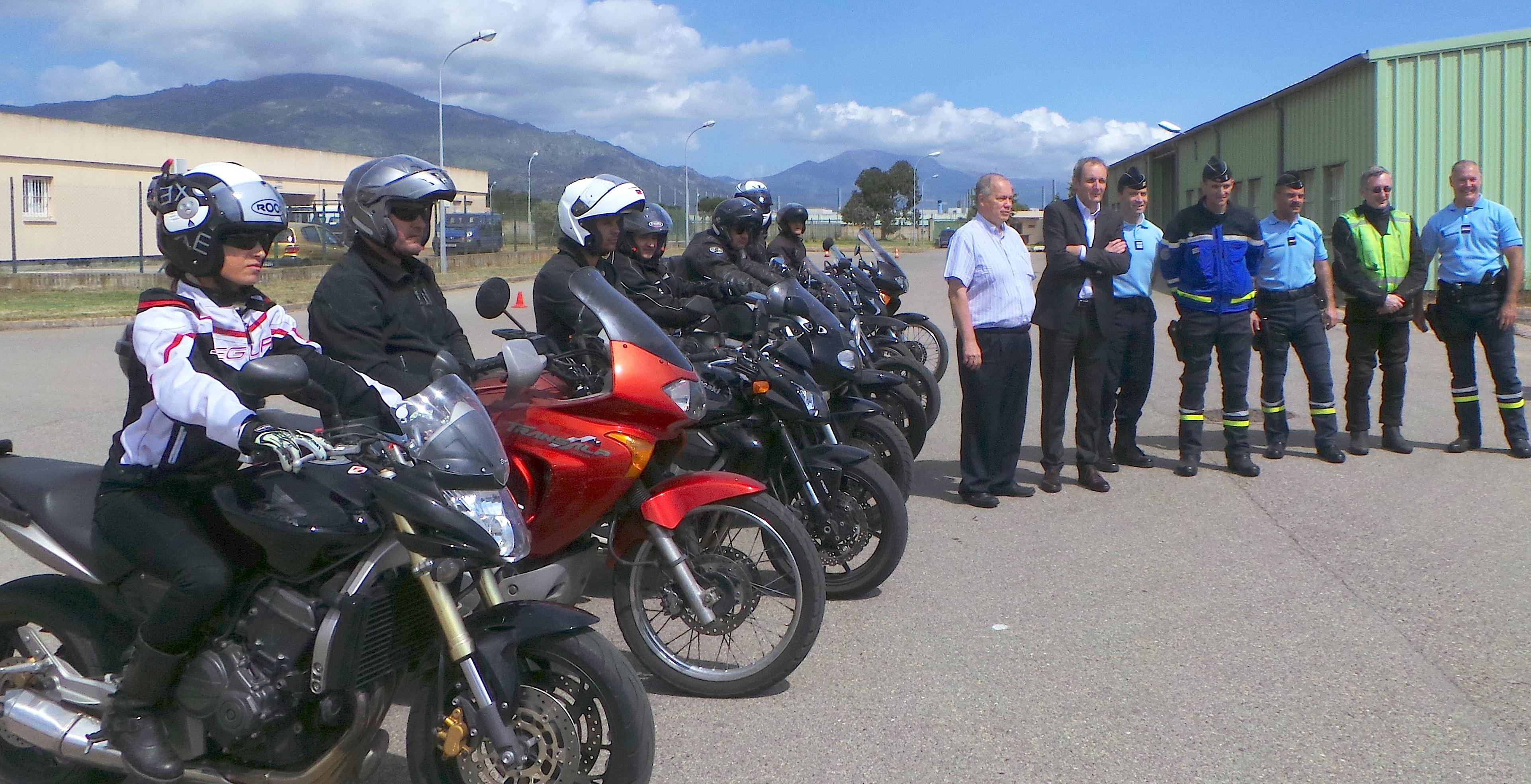 50 motards de Haute-Corse travaillent la trajectoire de sécurité à Borgo