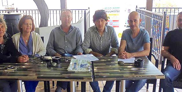 Jean-Pierre Antonelli et Marie-Paule Martelli, élus de Inseme per Ghisunaccia, et les membres de l'association