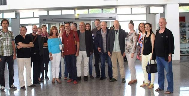 Les artistes de la RACC accueillis à l'aéroport de Calvi
