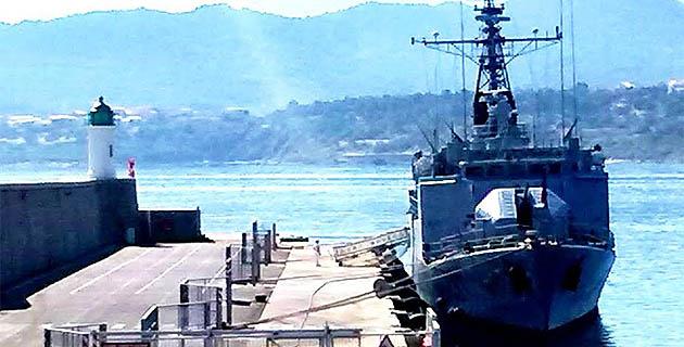 L'Aviso « Commandant Bouan » en escale au port de L'Ile-Rousse