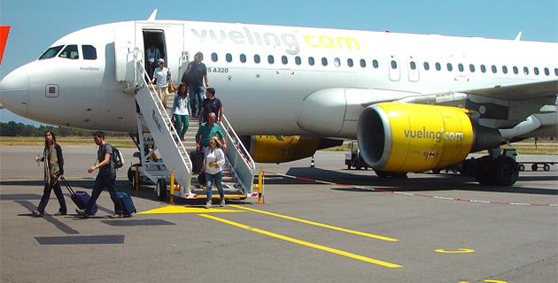 Les premiers passagers du vol Barcelone-Bastia débarquent à Poretta
