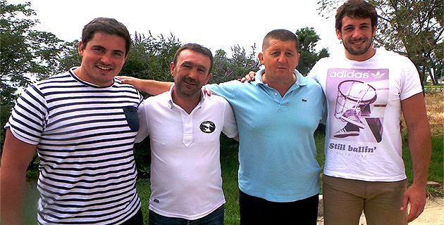 Victor Paquet, Stéphane Labarrère, Alain Del Moro et Rémi Lamerat (De gauche à droite) : Passion rugby !