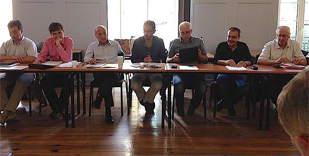 Les membres de la commission rassemblés autour de Dominique Bucchini