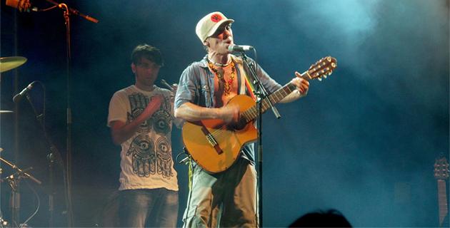 Manu Chao pas Clandestino à Porto Latino