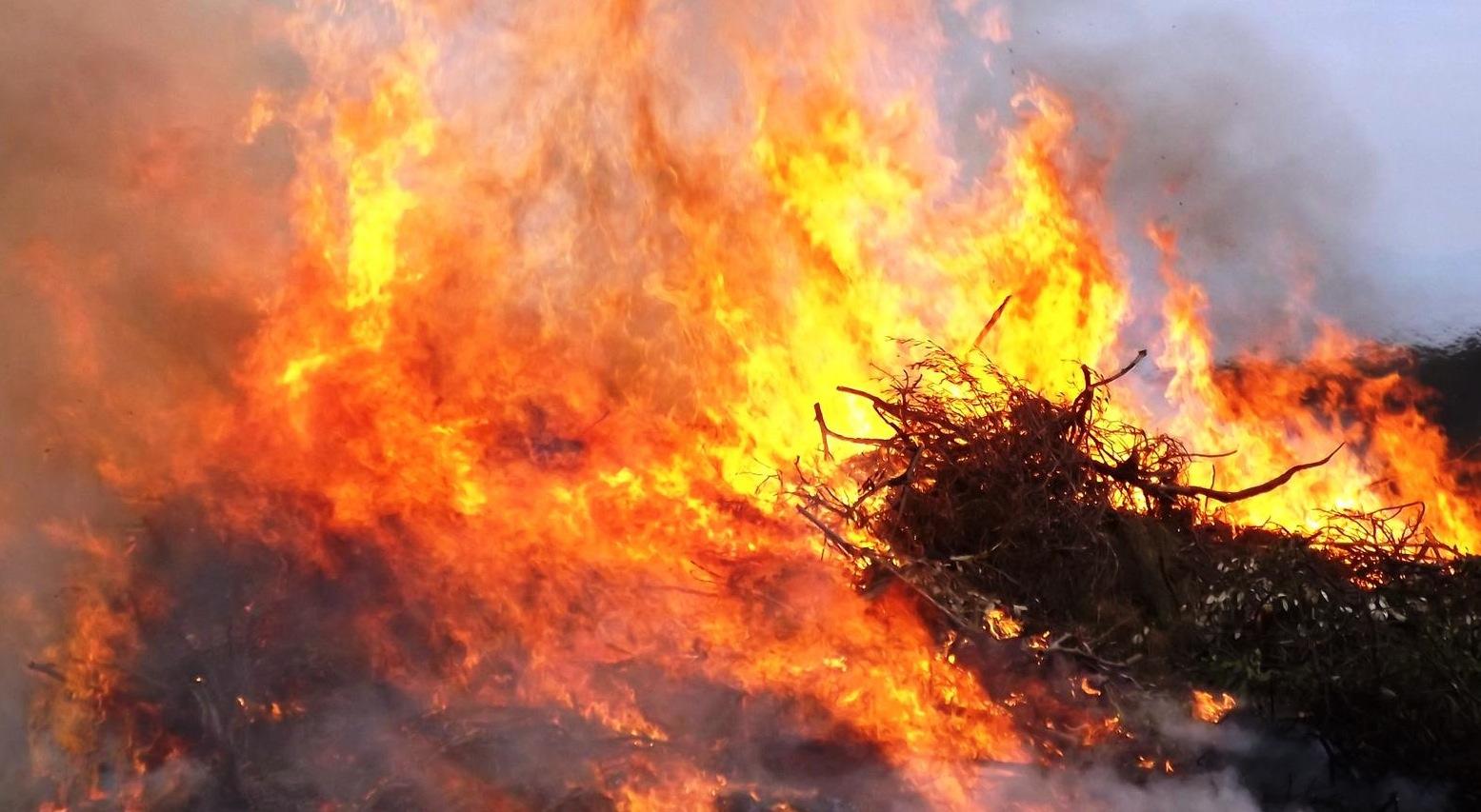 Feu de Calenzana : Un pompier blessé et de gros moyens engagés