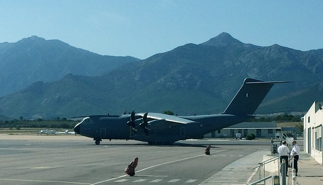 L'A400M véritable mastodonte des airs, s'est posé à Calvi