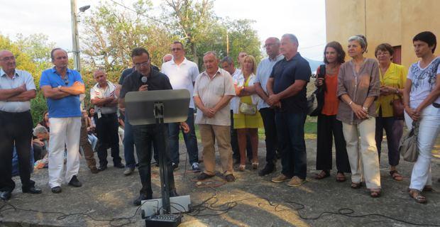 De nombreux élus réunis pour soutenir Jean-Marie Vecchioni, maire de Campile.