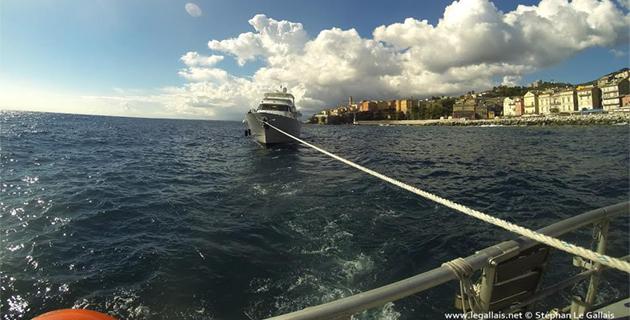 Bastia : La SNSM ramène une vedette de 25 m à bon port