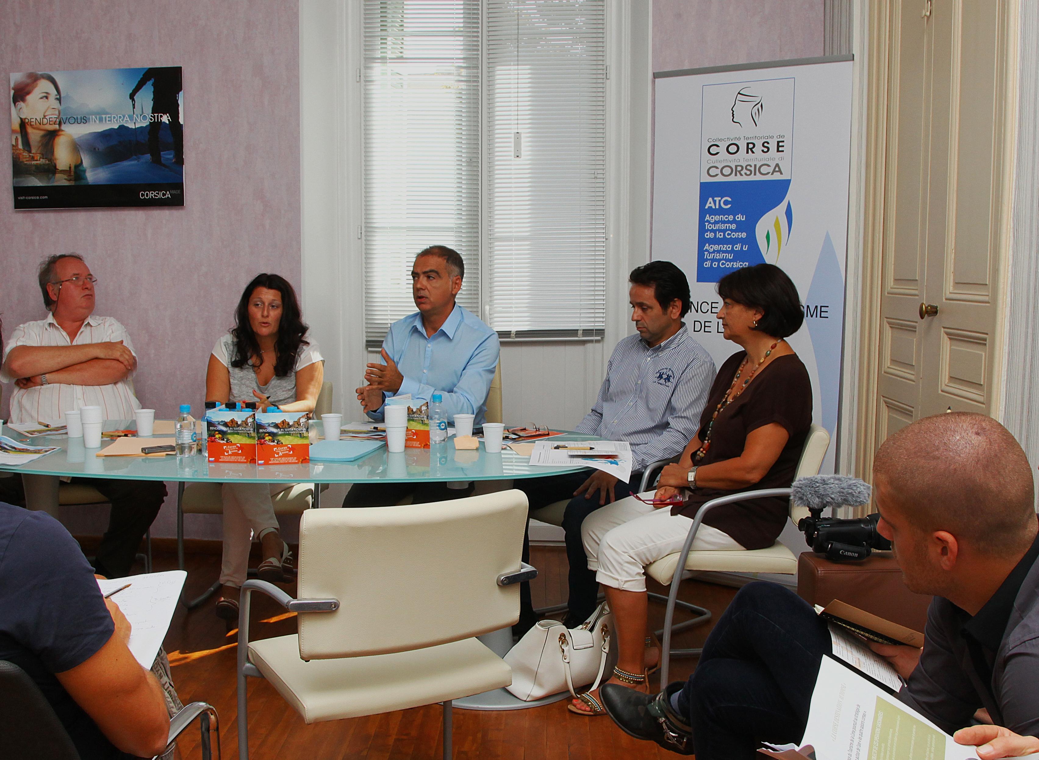 Vanina Pieri et Didier Leonetti entourés des différents partenaires