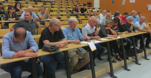 Elus progressistes et représentants du monde syndical et associatif ont débattu avec Corsica Libera à Corte.