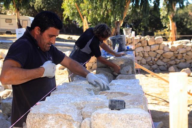 Lozari : Premiers ouvriers professionnels en pierre sèche diplômés en Corse