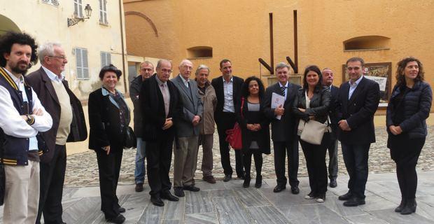 Le groupe de travail sur la signalétique dirigé par Georges De Zerbi, entourant le maire de Bastia, Gilles Simeoni, ses adjoints au patrimoine et à la culture, Philippe Peretti et Mattea Lacave, et Michel-Edouard Nigaglioni, Directeur du Patrimoine.