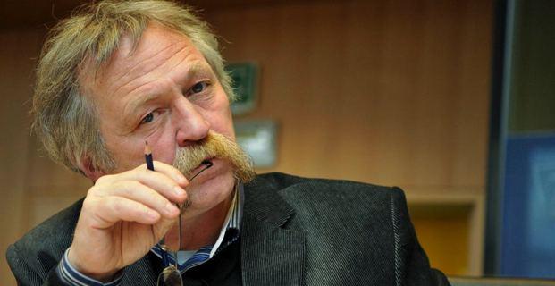 José Bové, député européen du groupe Les Verts-ALE (Alliance Libre européenne), membre notamment de la commission Agriculture et développement rural (AGRI) de l'Union européenne.