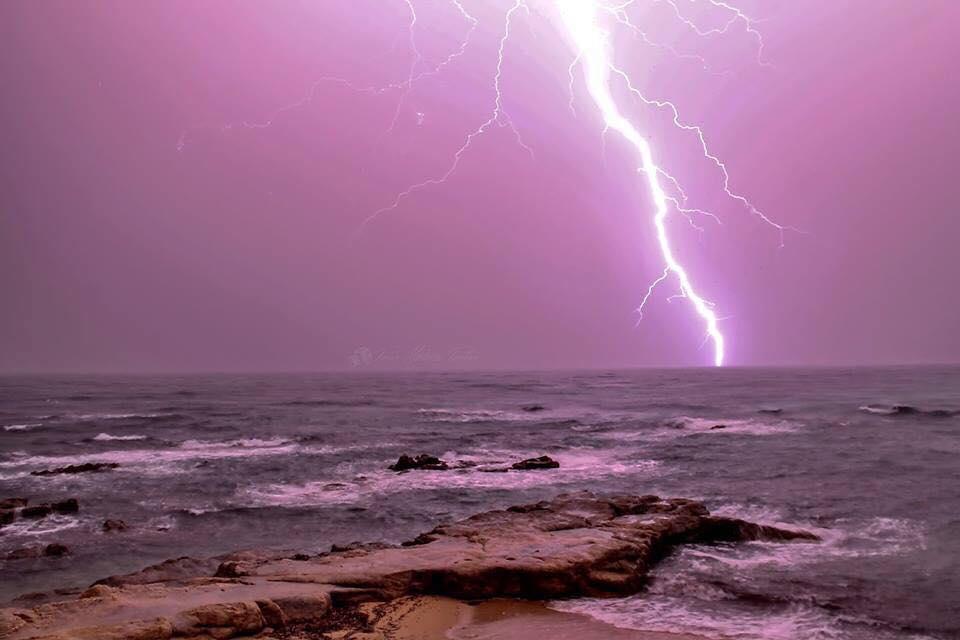 Les orages dimanche soir aux Sanguinaires (Photo Pierre-Mathieu Paolini)