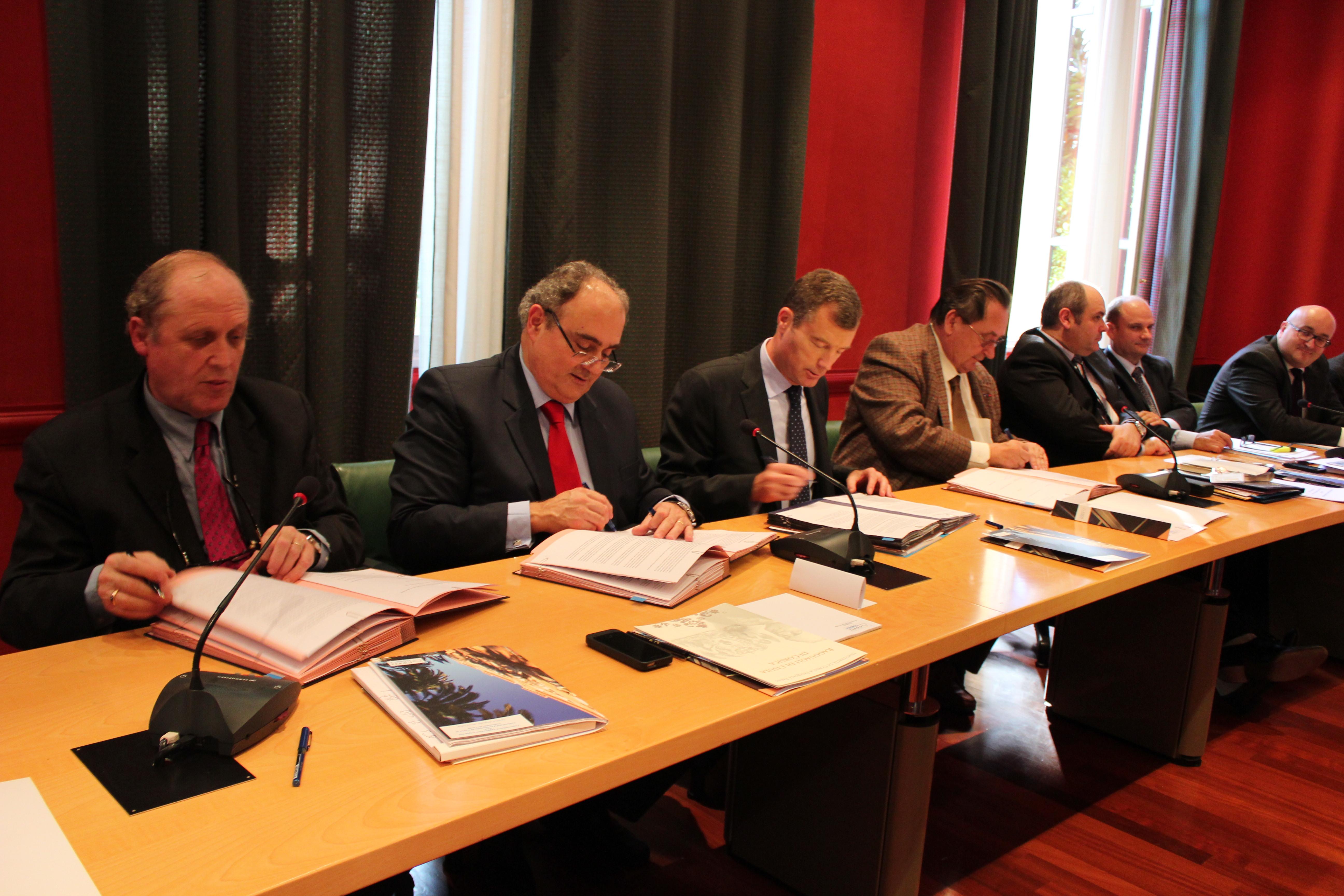 Université : Signature de la convention tripartite à l'Assemblée de Corse