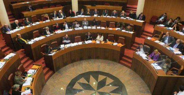 Les élus de l'Assemblée de Corse en session.