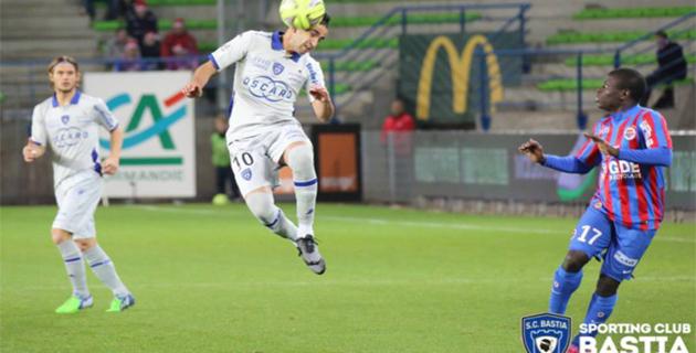 Le Sporting rejoint sur la fin à Caen (1-1)