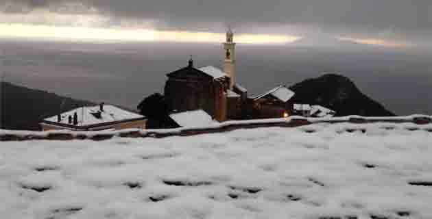 Vue sur le clocher de San Martino et l'archipel toscan ! (Stéphane Despaquis)
