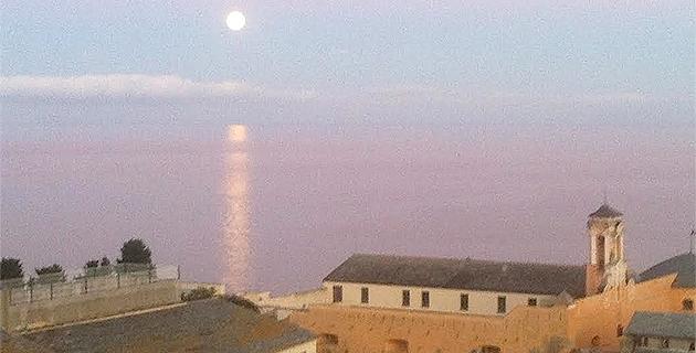 Bastia : Quand la Lune se lève sur la Tyrrhénienne