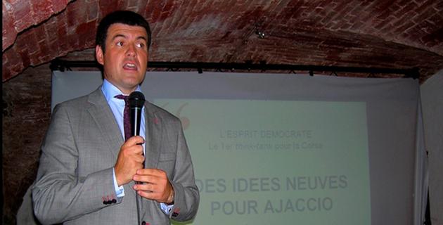 Municipales d'Ajaccio : François Casasoprana signe la charte éthique Anticor