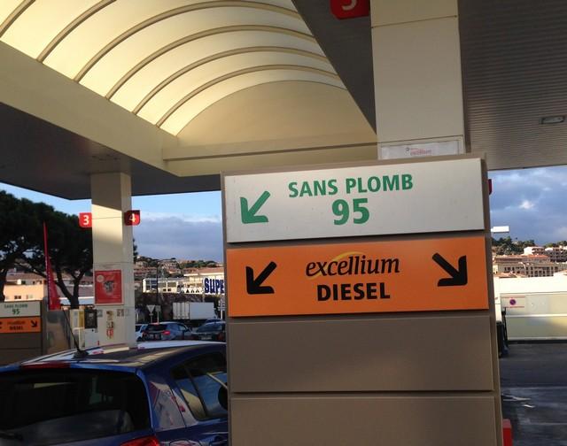 La station Total de Calvi s'adapte face au fléau des achats en ligne
