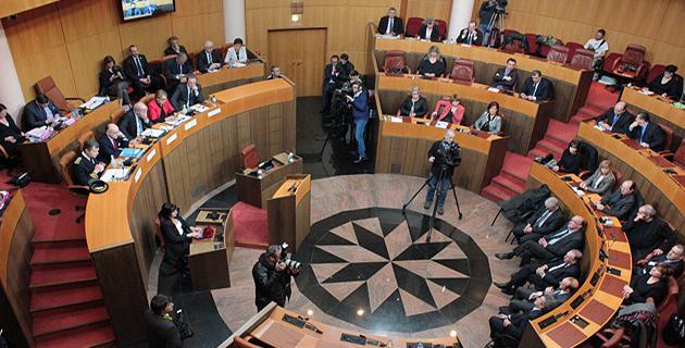 Collectivité unique mode Cazeneuve : Les réactions des élus