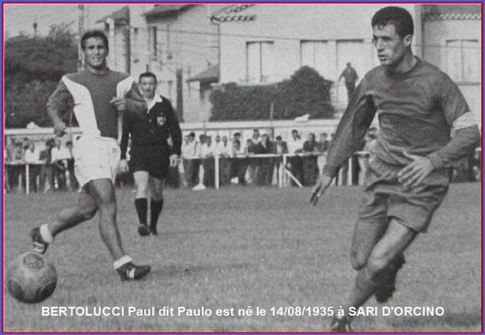 Paul Bertolucci (à droite) : Un des défenseurs légendaires du Gazelec (Amicale des anciens du GFCA)
