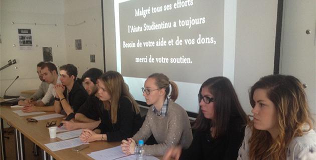 Aiutu Studientinu est une association composée aussi bien d'étudiants que de professeurs