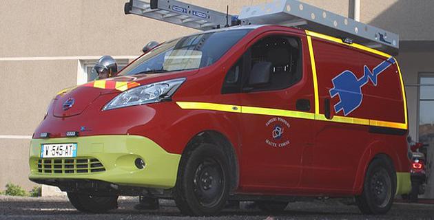 Un véhicule d'interventions diverses, 100% électrique, testé par le centre de secours de Calvi