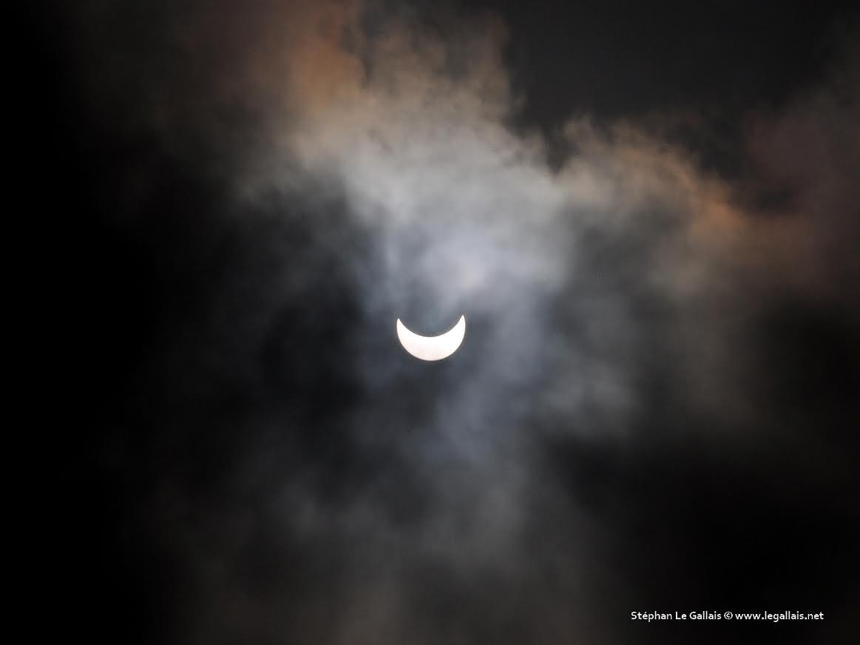Les images et le time-lapse de l'éclipse solaire en Corse