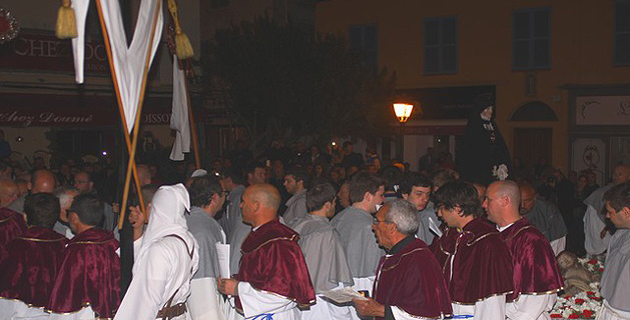 Foule à Calvi pour la procession de la Granitula