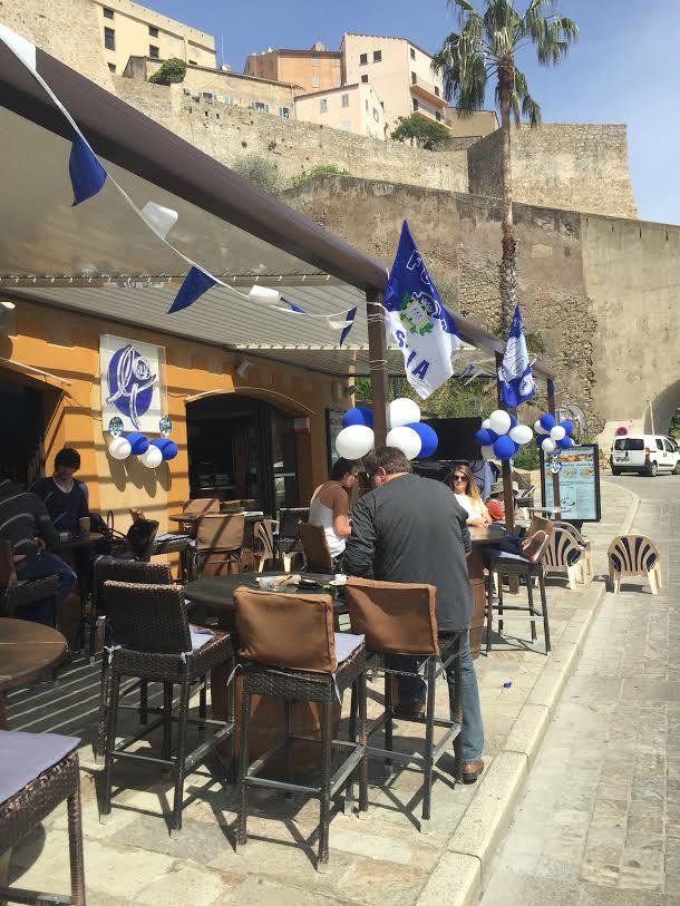 Le Bar de la Tour prêt à vibrer à Calvi