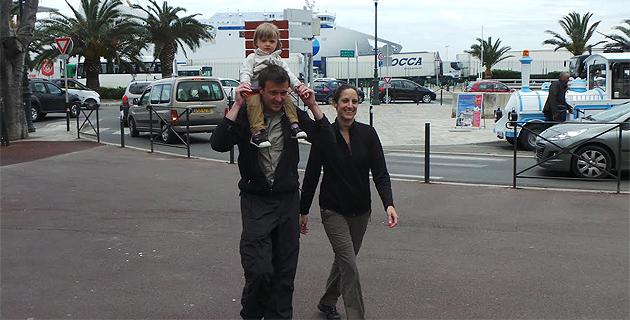 Laurent, avec Eva, et Aurélie : ils marchent pour Handicap international