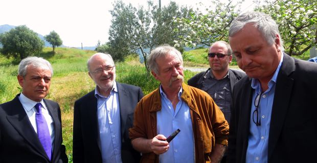 Enzo Manni, oléiculteur du Salento, les eurodéputés Josep-Maria Terricabras et José Bové, Fraçois Alfonsi, président de l'ALE, et Gunther Dauwen, directeur général de l'ALE.