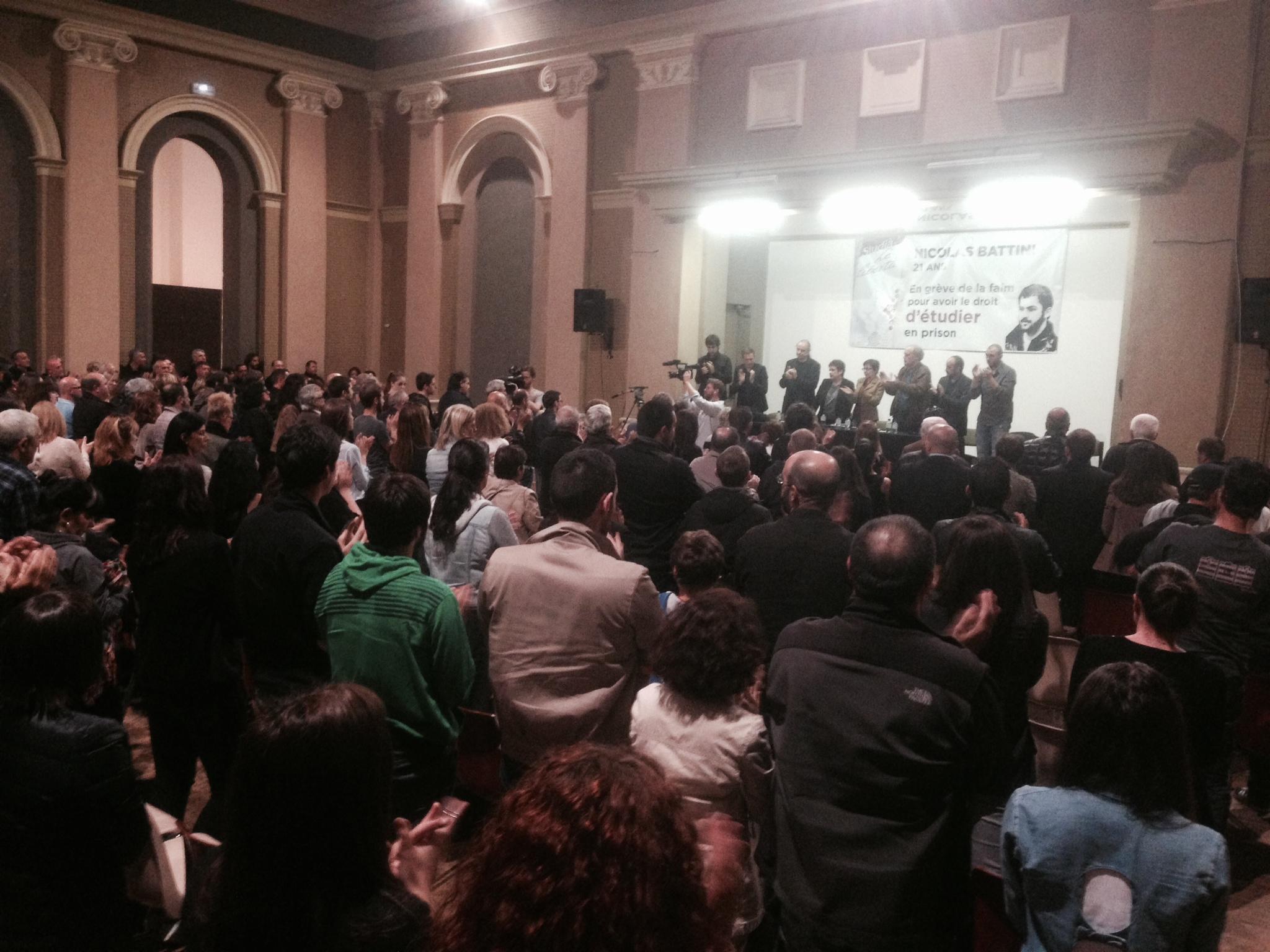 La salle des congrès était pleine ce mercredi soir pour soutenir Nicolas Battini