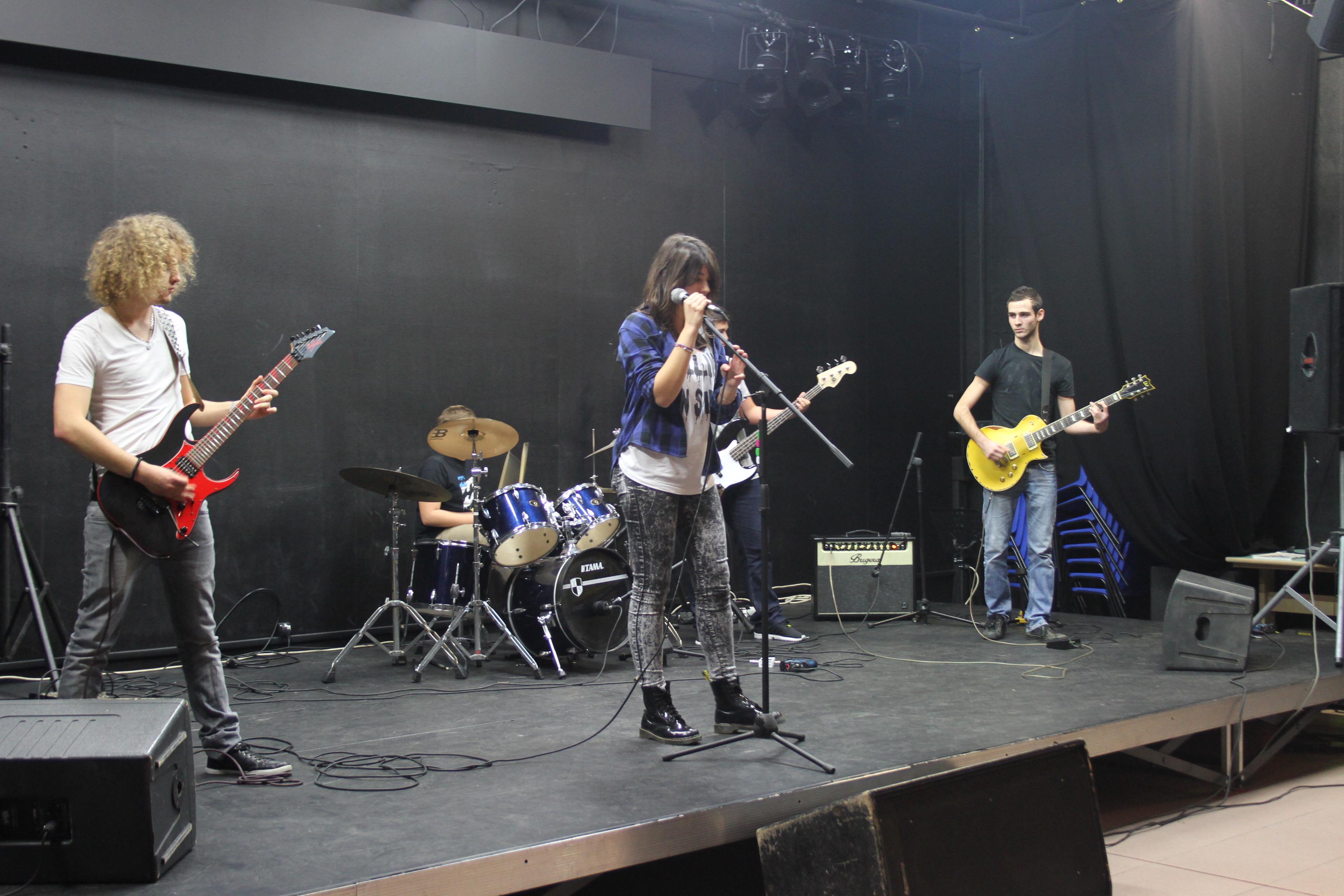 le groupe DYS