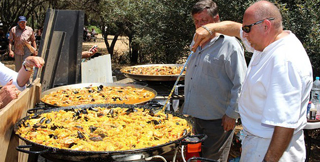 200 convives à Lumio  pour une paëlla géante au profit de la Ligue contre le cancer
