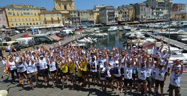 Les 30 équipes participantes. Photo Christophe Melchers.