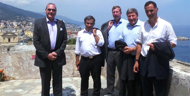 Le maire de Bastia, Gilles Simeoni, Henry Marty-Gauquié, représentant du groupe BEI (Banque européenne d'investissement) à Paris, Xavier Bezançon, Délégué général EGF-BTP, Henri Malosse, président du Conseil économique et social européen, et Pierre Delsaux, Directeur général adjoint à la Direction générale de la Commission européenne.