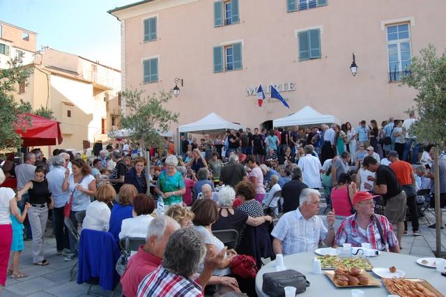 Fête à L'Ile-Rousse pour célébrer la victoire de Jean-Jo Allegrini-Simonetti et de la majorité municipale