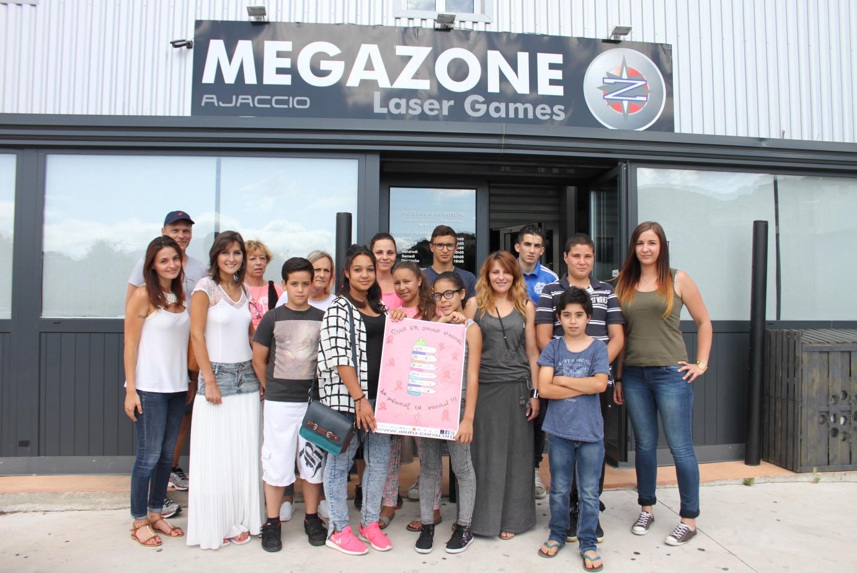 les participants au concours d'affiches d'Aiutu Corsu et de la FALEP2A