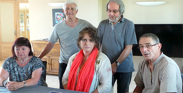 """Jean-Pierre Santini (debout à droite) et ses amis : """"Femu rinasce a Cunsulta naziunale"""""""