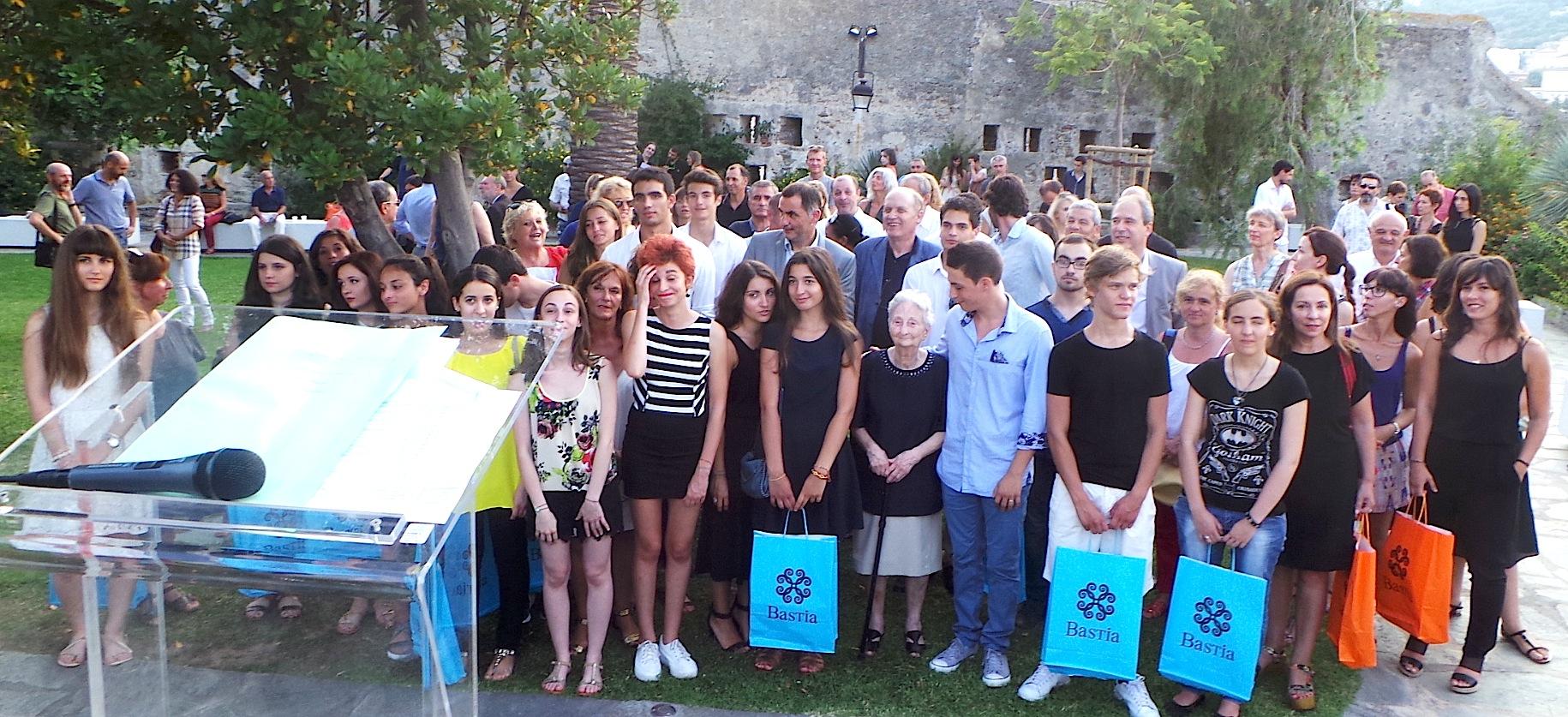 """Bastia récompense les mentions """"Très bien"""" et les lauréats des prix des thèses et posters"""