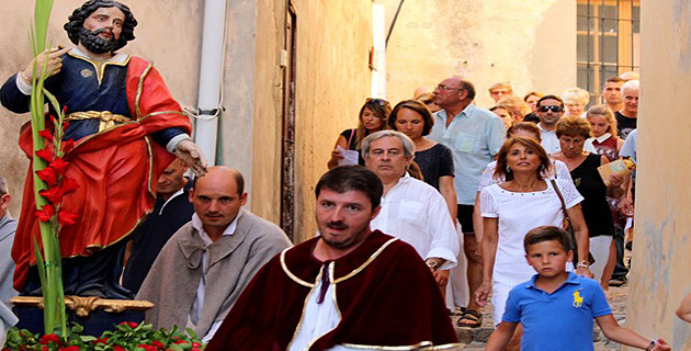 """Foule à la citadelle de Calvi pour  """"A Festa di Vignaghjoli di Balagna"""""""