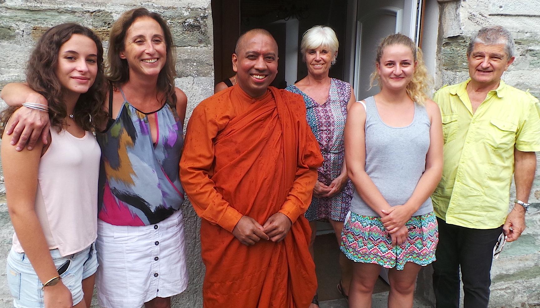 Le vénérable Bhante Saranapala enseigne la méditation à Santa Maria di Lota